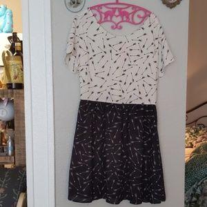 🎉3/$25  Black bottom white top dress